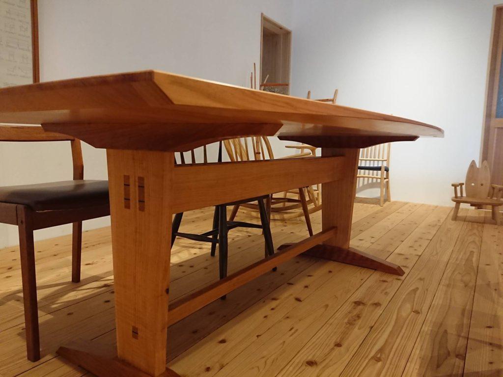 ツバキラボ サロン テーブル