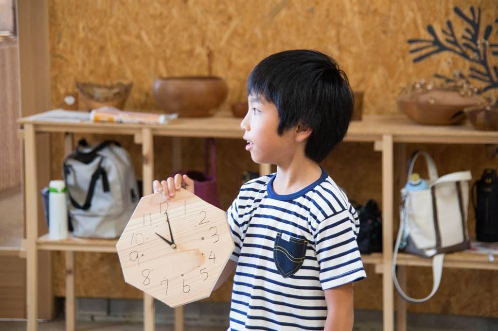 ツバキラボ ワークショップ 木工 掛け時計 時計 おしえ店長さん