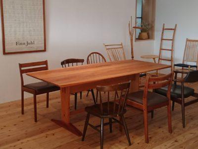 ツバキラボ サロンにテーブルが設置されました!
