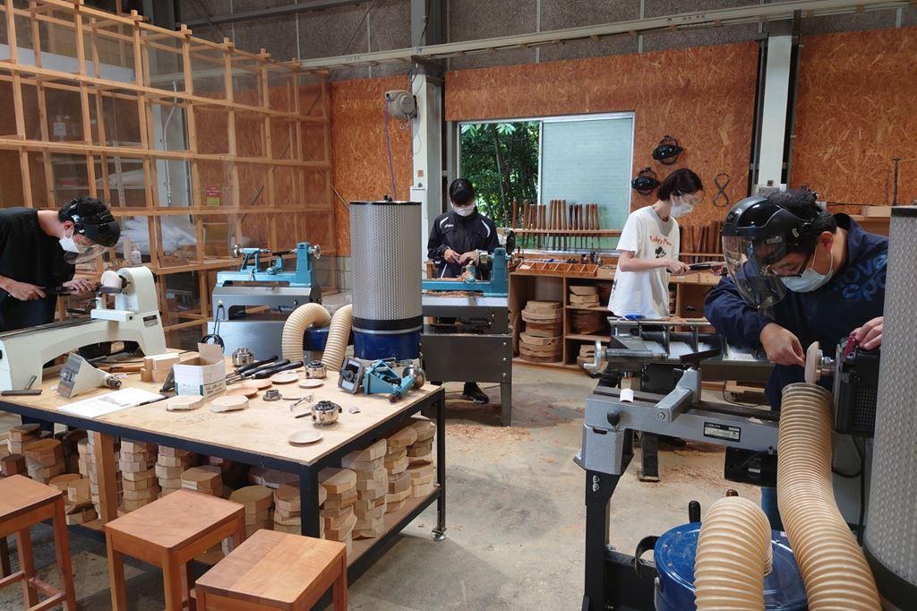 ツバキラボ 木工旋盤 教室 レッスン シェア工房 木工
